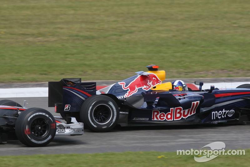 Льюіс Хемілтон, McLaren Mercedes, Девід Култхард, Red Bull Racing
