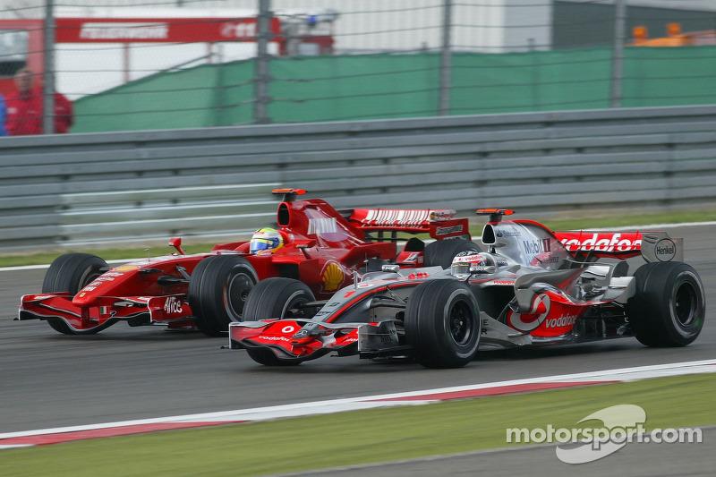 Alonso passou Massa na volta 56 após uma manobra arrojada que contou com um toque dos dois.