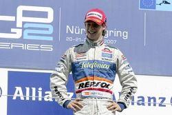 Javier Villa fête sa victoire sur le podium