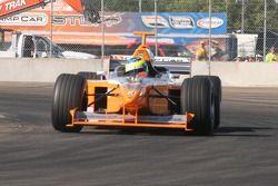 Mario Dominguez conduit une Minardi F1X2