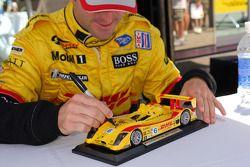 Romain Dumas model car autograph