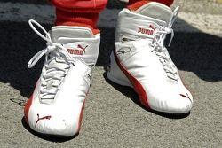 Les chaussures de Dan Weldon