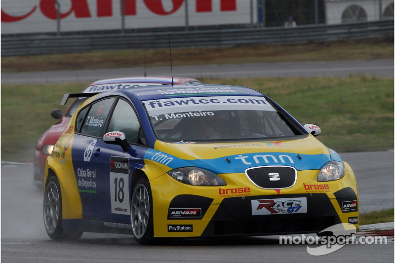 Tiago Monteiro, SEAT Sport, SEAT Leon