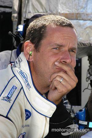 Butch Leitzinger regarde la séance