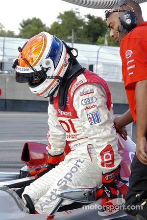 Emanuele Pirro dans la voiture