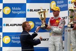 Podium: Alexandre Prémat, Audi Sport Team Phoenix, Audi A4 DTM reçoit le trophée des mains de Hans Ernst, COO du circuit de Zandvoort