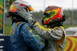 Winner, Robert Huff, Team Chevrolet, Chevrolet Lacetti and 2nd, Tiago Monteiro, SEAT Sport, SEAT Leo