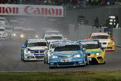 Rickard Rydell, Team Chevrolet, Chevrolet Lacetti and Tiago Monteiro, SEAT Sport, SEAT Leon