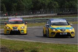 Tiago Monteiro, SEAT Sport, SEAT Leon and Jordi Gene, SEAT Sport, SEAT Leon