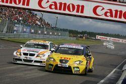 Yvan Muller, SEAT Sport, Seat Leon e Felix Porteiro, BMW Team Italy-Spain, BMW 320si WTCC