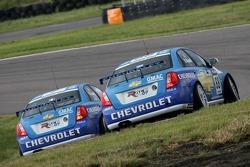 Rickard Rydell, Team Chevrolet, Chevrolet Lacetti and Nicola Larini, Team Chevrolet, Chevrolet Lacetti