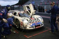 Arrêt au stand pour la #105 G&A Racing Mosler MT900R: Guino Kenis, Michael De Keersmaecker, Patrick