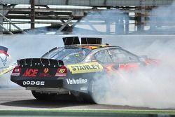 Scott Riggs crashes
