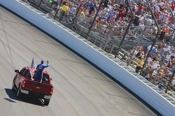Kurt Busch waves to the crowd before