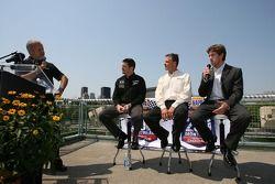 Conférence de presse pré-événement: Patrick Carpentier pilote de la #22 Dodge NASCAR Busch Series Car et de la #11 SAMAX Pontiac Riley Grand Am Rolex, le chef d'équipe Pierre Kuettel et Carl Edwards pilote de la #60 Ford NASCAR Busch Series Car