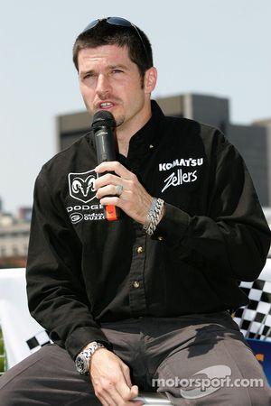 Conférence de presse pré-événement: Patrick Carpentier pilote de la #22 Dodge NASCAR Busch Series ca