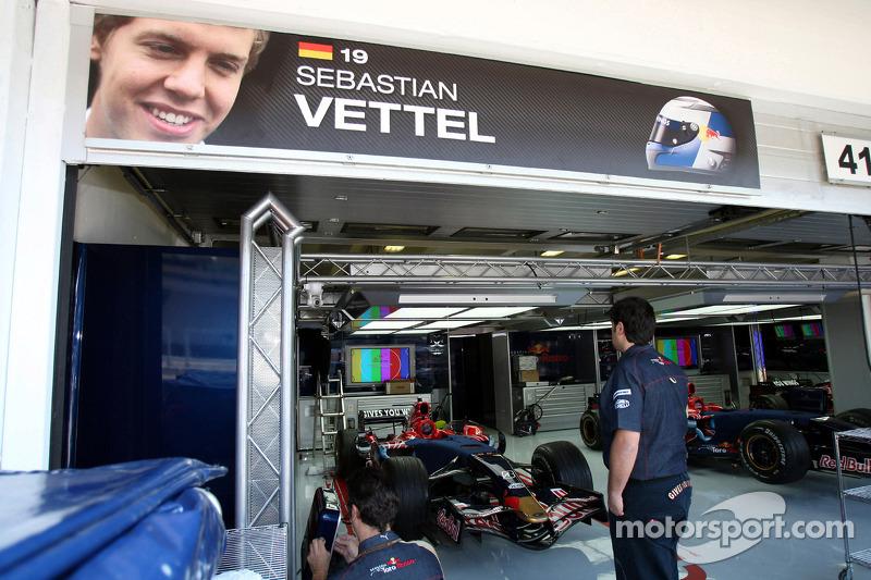 Pitbox de Sebastian Vettel, Scuderia Toro Rosso
