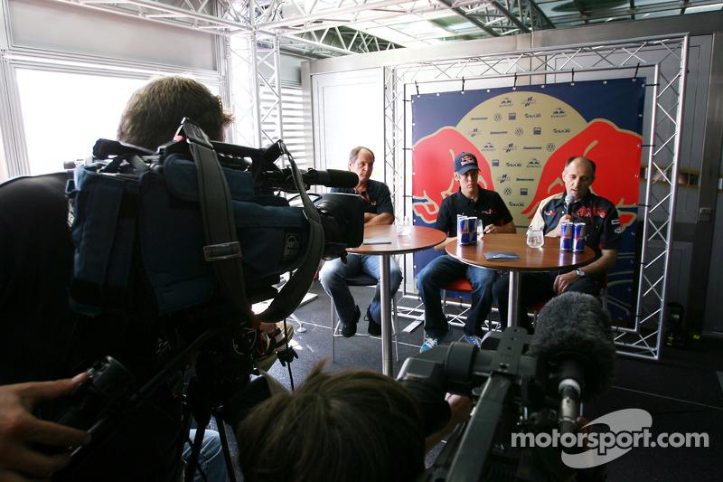 Scuderia Toro Rosso, Gerhard Berger, copropietario del equipo, Sebastian Vettel Scuderia Toro Rosso,