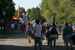 les fans arrivent au Circuit Gilles-Villeneuve