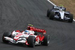 Anthony Davidson, Super Aguri F1 Team, SA07 and Alexander Wurz, Williams F1 Team, FW29