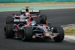 Vitantonio Liuzzi, Scuderia Toro Rosso, STR02 leadsd Sebastian Vettel, Scuderia Toro Rosso, STR02