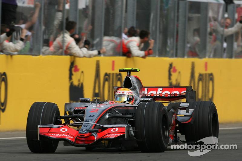 2007: Lewis Hamilton, McLaren-Mercedes MP4-22