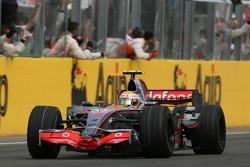 Winnaar Lewis Hamilton, McLaren Mercedes, MP4-22