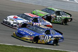 Clint Bowyer, Scott Riggs et Jeremy Mayfield