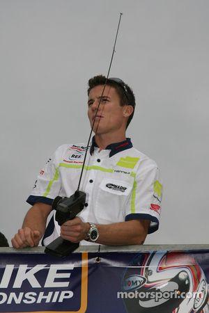 Course moto télécommandé: James Toseland