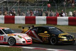 Départ GT: #06 Banner Racing Pontiac GXP.R: Leighton Reese, Tim Lewis Jr., #17 Doncaster Racing Pors