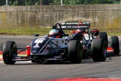 #40 Niall Breen IRL Carlin Motorsport Dallara F307 Mercedes HWA