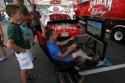 Une simulation de course à la Fan Fest Watkins Glen