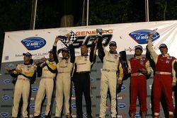 Le podium: LM GT1