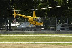 Hélicoptères de prise de vue vidéo autour de la piste