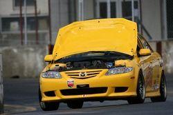 #57 Baglieracing Mazda 6: Dennis Baglier, Marty Luffy en difficulté