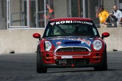 #197 RSR Motorsports Mini Cooper S: Randy Smalley, Owen Trinkler, Alain Lauzière, Simon Dion-Viens