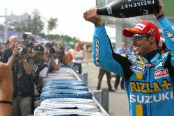 Podium: Champagne for John Hopkins and his team