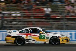 #82 BRG/ Group 88 Motorsports Porsche 997: Jean-François Dumoulin, Louis-Philippe Dumoulin, Michael