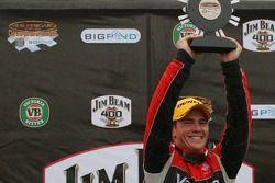 Podium: Lee Holdsworth remporte la manche 8 du championnat V8 Supercar