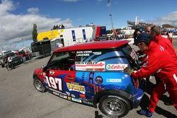 Fin de la journée pour la #197 RSR Motorsports Mini Cooper S: Randy Smalley, Owen Trinkler, Alain Lauzière, Simon Dion-Viens