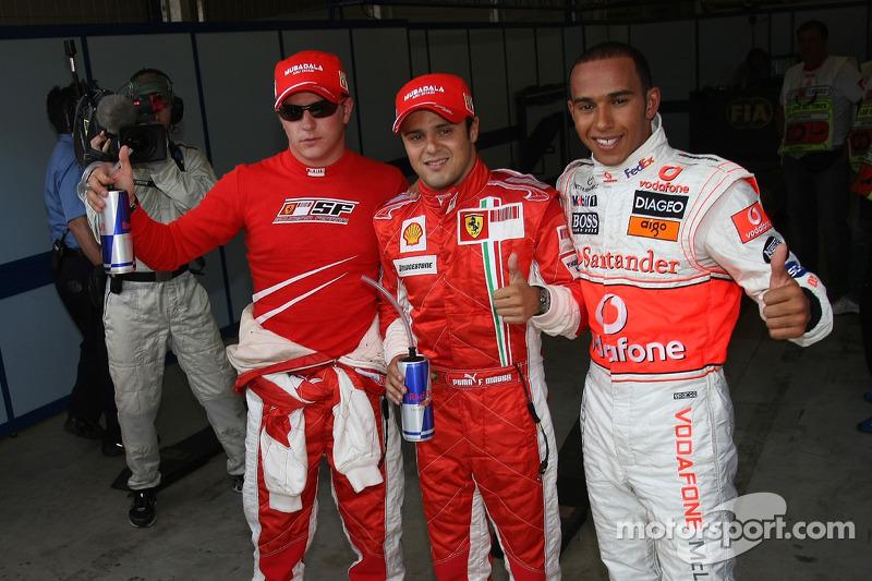 Pole: Kazanan Felipe Massa kutlama yapıyor ve Lewis Hamilton ve Kimi Raikkonen
