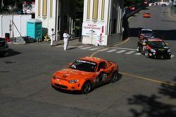 #58 BSI Racing Mazda MX-5: Justin Hall, Magnus Karlsson manque le virage