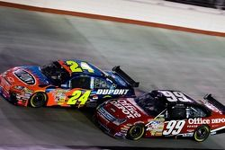 Carl Edwards and Jeff Gordon battle for position