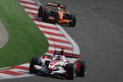 Takuma Sato, Super Aguri F1, SA07 and Sakon Yamamoto, Spyker F1 Team, F8-VII