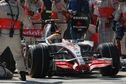 Lewis Hamilton, McLaren Mercedes, MP4-22 pit stop