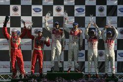 Podium P1: les vainqueurs Emanuele Pirro et Marco Werner, seconde place Rinaldo Capello et Allan McN