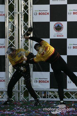 Podium P2: champagne pour Timo Bernhard et Romain Dumas