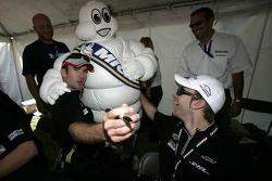 Romain Dumas et Timo Bernhard s'amusent avec Bib