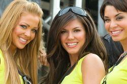 Les charmantes jeunes femmes California Speedway