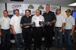 Hendrick Motorsports re-signs with Chevrolet: Casey Mears, Dale Earnhardt Jr., Chevrolet's Brent Dewar, Ed Peper, Jimmie Johnson and Jeff Gordon